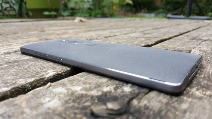 OnePlus 2 metal frame