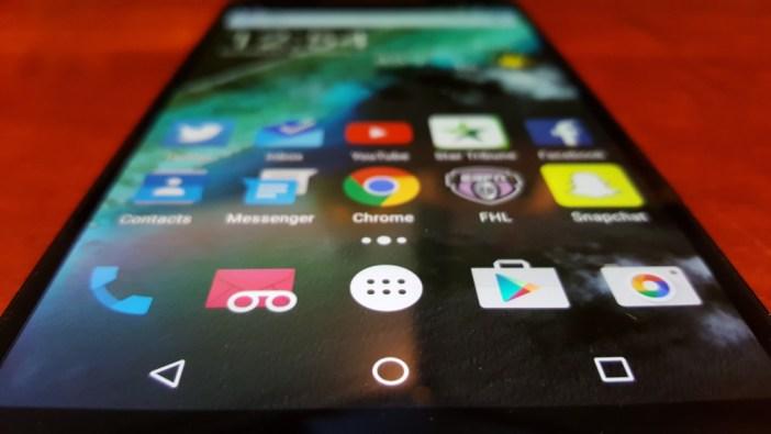 Nexus 6P display