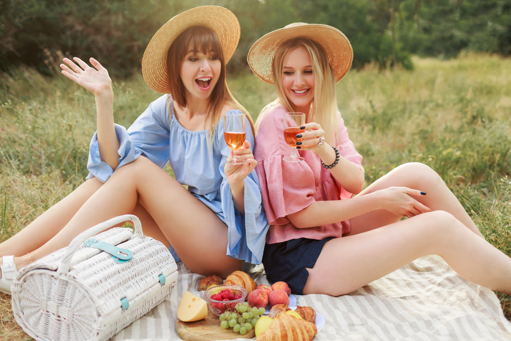 Drinking Grenache Rosé on a picnic