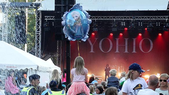 Yohio spelar på Fallens Dagar i Trollhättan. Foto: Peter Ahlborg