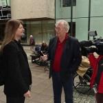 Peter blir intervjuad av TV-nyheterna Östnytt