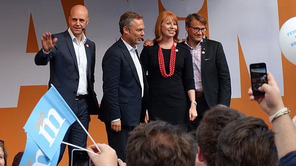 Alliansen håller sitt sista gemensam valmöte tillsammans i går på Norrmalmstorg. Foto: Peter Ahlborg