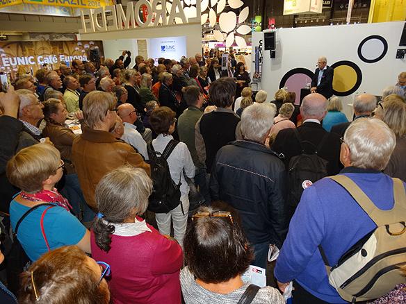 Det var många åhörare som ville lyssna på Ingvar Carlsson under hans besök på Bokmässan. Foto: Peter Ahlborg