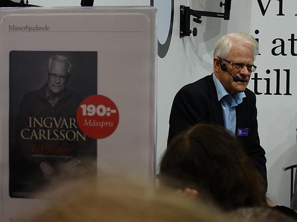 """Ingvar Carlsson är aktuell med sin nya bok """"Lärdomar"""".Under Bokmässan berättar han några av sina lärdomar under sitt långa politiska liv. Foto: Peter Ahlborg"""