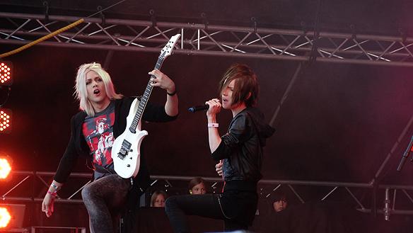 Yohio gav järnet under den korta konserten. Foto: Peter Ahlborg