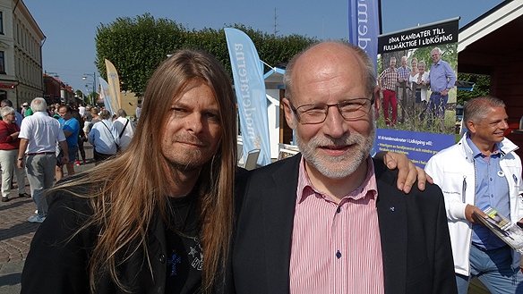 Peter Ahlborg och Stefan Attefall - efter att Peter gjort en intervju med Attefall. Foto: Privat