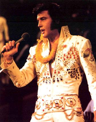 Elvis Presley framträder inför 1 miljard människor den 14 februari 1973, konserten som gick under namnet: Elvis Presley Aloha from Hawaii.