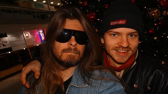 """Peter Ahlborg och Charlie Källberg tillsammans på en """"selfie"""" i Nordstan.   Foto: Peter Ahlborg"""