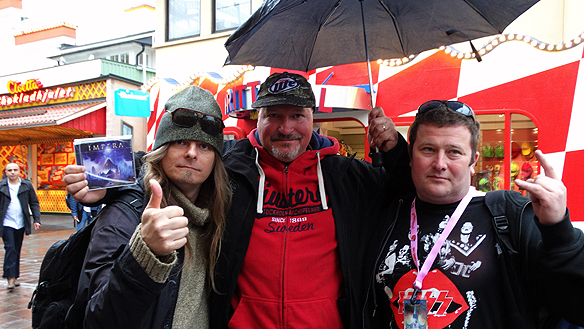 Många härliga återseende med gigantiskt stora Kiss fan igår på Gröna Lund. Här är jag Peter Ahlborg tillsammans med Johan Kihlberg och Fille Filur.