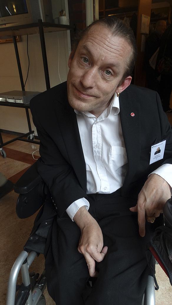 Jesper Odelberg är politiker för vänsterpartiet. Han var också med på regionstyrelsens beslut under dagen.