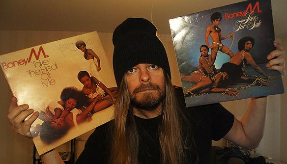 Det var musik gruppen Boney M som Peter älskade som första artist när han var ung, inte rockgruppen Kiss, de kom senare att bli hans favoritband alla kategorier. Foto: Peter Ahlborg