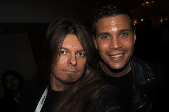 Peter tar en selfie tillsammans med Robin Bengtsson. Jag har fått känslor för Robin och hans låt Consellation Prize, förklarade jag, Peter Ahlborg, för Robin, som sken upp som en sol när jag förklarade det. Foto: Peter Ahlborg