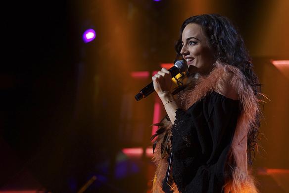 Mimi den nya kommande stjärnan gör inte mig besviken med sin låt Ain´t No Good. Du går till Globen. Foto: Peter Ahlborg