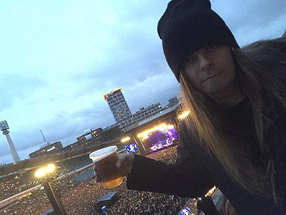 Peter Ahlborg ser sina idoler och förebilder Iron Maiden den 17 juni 2016 på Ullevi tillsammans med 54 921 människor i publiken. Foto: Ulrika Levinsson