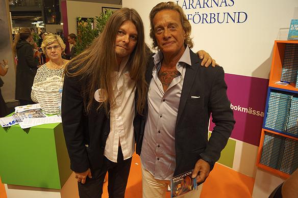 """Peter Ahlborg sammanstrålar med sin vän författaren Björn Ranelid under Bokmässan 2016. """"Bokmässan 2016 måste gå till historien som en av de bästa i mitt liv då jag träffade helt ofantligt många ödmjuka människor"""", säger Peter Ahlborg."""