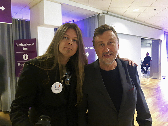 Peter Ahlborg träffar på Janne Josefsson under bokmässan 2016. Foto: Bengt Larsson