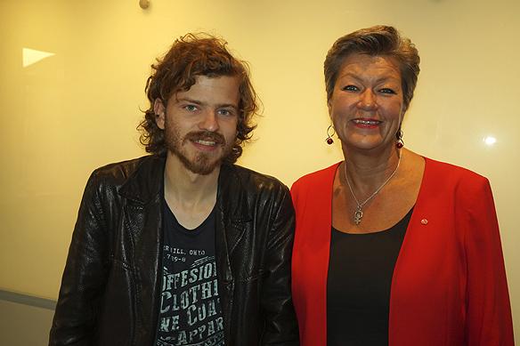 Charlie Källberg tillsammans med Ylva Johansson. Foto Peter Ahlborg