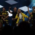 En överlycklig Sigrid Bernson tog sig till andra chansen i Melodifestivalen