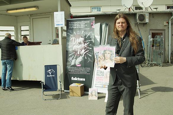 """Peter Ahlborg säljer Faktum inne på Åbytravet under Olympiatravet. """"Travmänniskor tillhör några av de ödmjukaste människor som finns"""", säger Peter Ahlborg"""