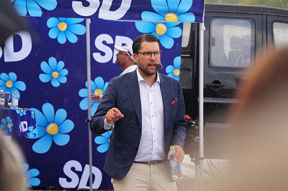 """""""Vi kommer att ha invandring även i framtiden till Sverige. Det ska vara en ansvarsfull invandring som vi kan hantera, då är det inget problem"""", säger Jimmie Åkesson. Foto: Peter Ahlborg"""
