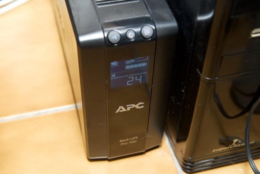 APC BACK UPS 700 電池供電時間
