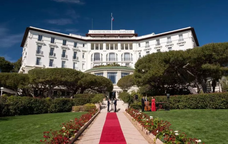 """Grand hôtel"""", la saga de TF1 diffusée ce jeudi a été tournée à  Saint-Jean-Cap-Ferrat - Nice-Matin"""