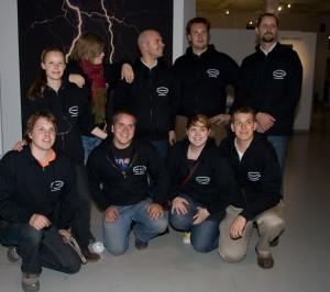 Enimmäinen ilotulituskoulu v 2008. Kuvassa Linda Norrgård Anna af Hällstrom. Patrick Hjelt, Johan Lillhannus, Simon Cederqvist, Kimmo Hovi, Emil Grönroos, Juila Petterson-Hakava, Christian Lindholm