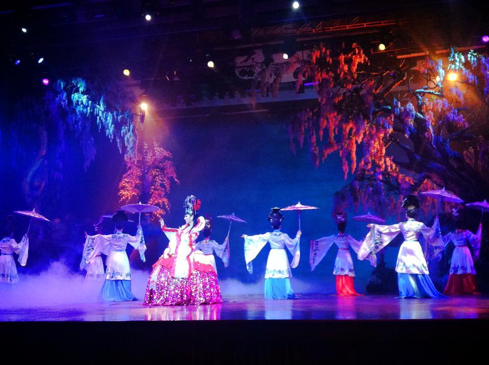 パタヤのアルカザール、中国風のショー