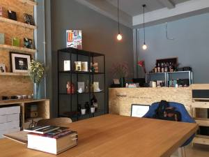 Books&Belongings cafe4