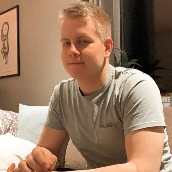 Preben Andrè Hjelmseth er ikke nådig i kritikken av Meløy kommune etter at listen han ville stemme på ikke lå fremme på valglokalet i Glomfjord.