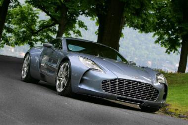 """""""Aston Martin One-77"""" - gražiausias pasaulyje"""