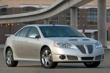 """GM atsikratė """"Pontiac"""" automobilių"""