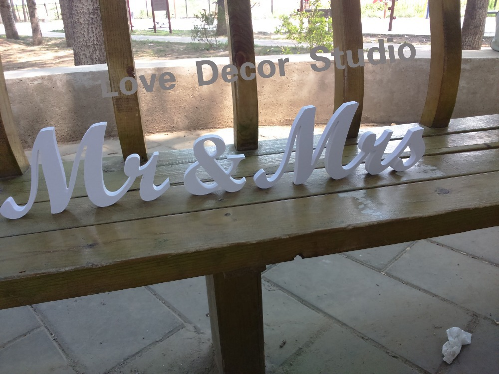 Free-shipping-White-Mr-Mrs-letters-wedding-table
