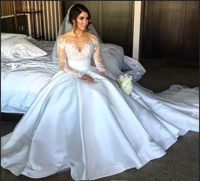 Vestido de Noiva  Manga Comprida Renda