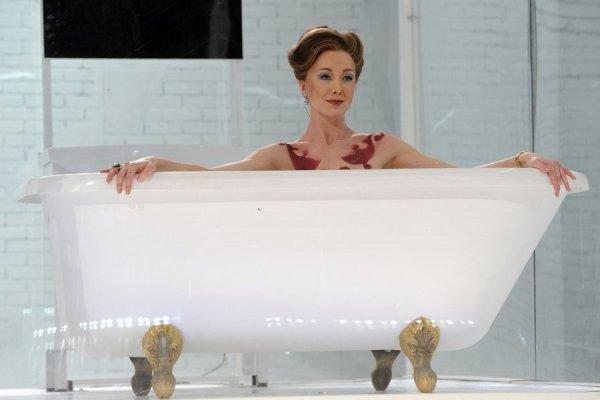 ФОТО: Муж актрисы Дарьи Мороз раздел ее на публике - Бублик