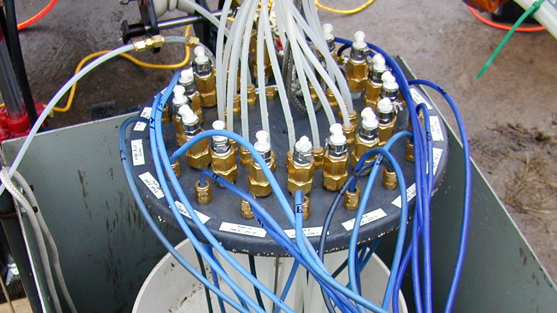 Multilevel system top hosing