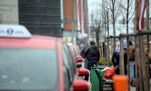 Глава Rīgas taksometru parks: в Риге слишком много такси