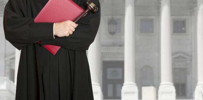 Obawy rodzi zapowiadane na początek 2017 r. spłaszczenie struktury sądów