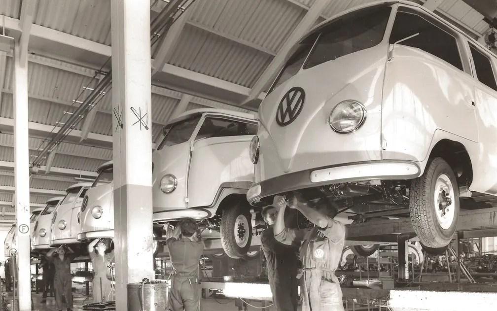 Inicio da produção da Kombi, em 1957