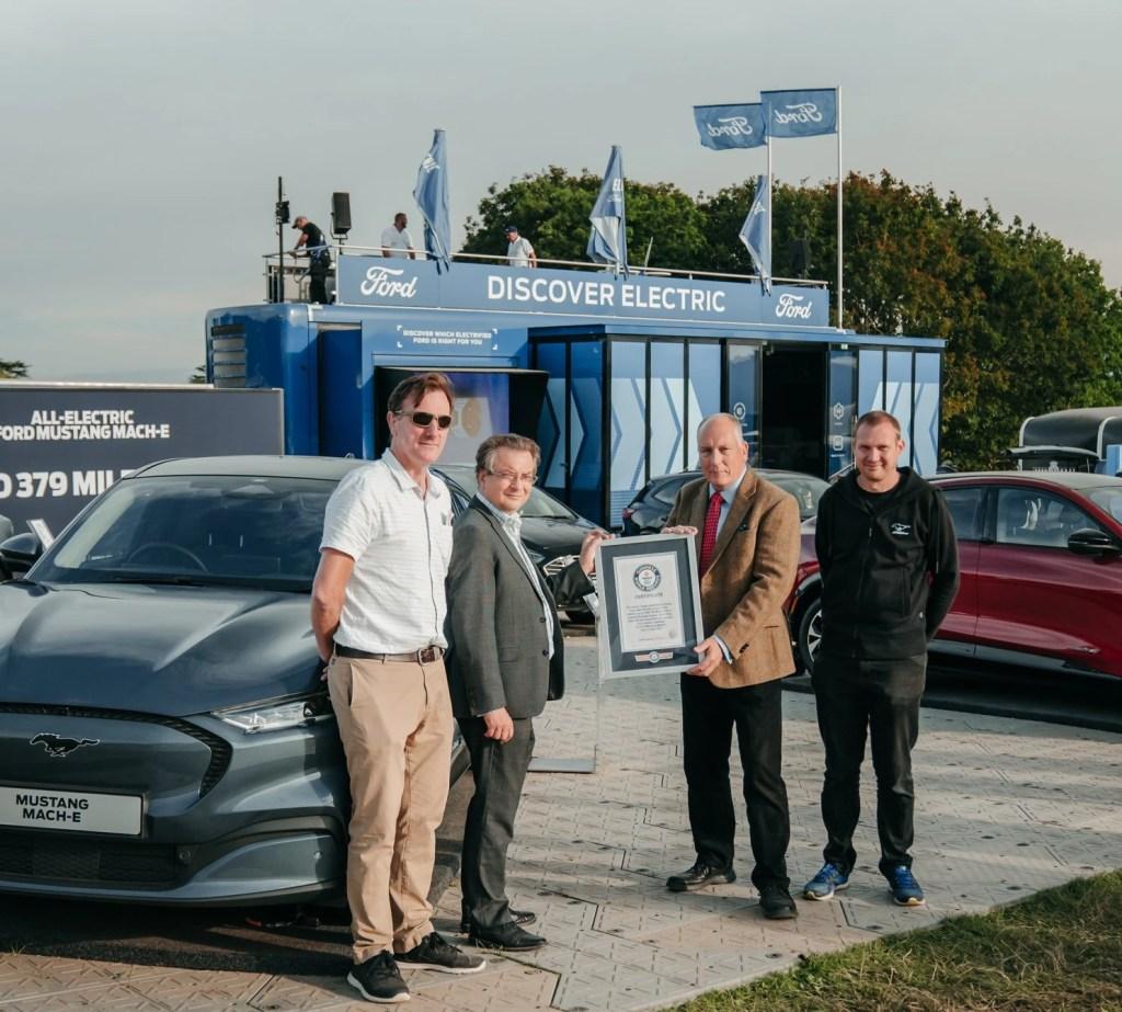 Ford Mustang Mach-E entra para o Guinness Book