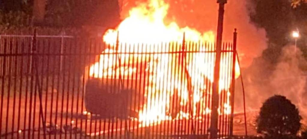 Telsa Model S Plaid explode com 3 dias de uso