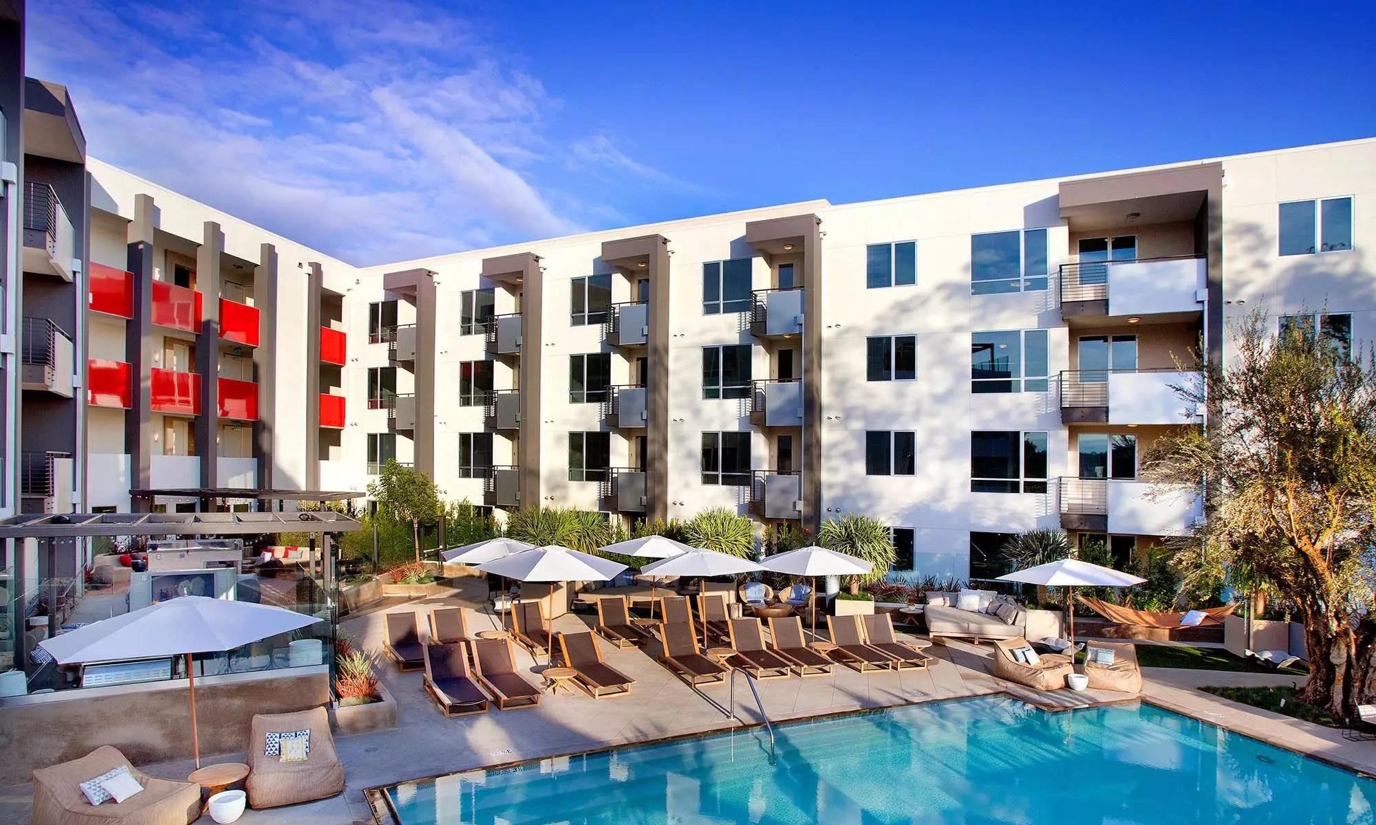 West Glendale, CA Modern Apartments