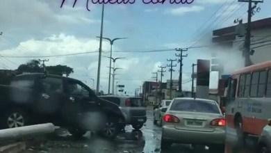 Foto de Acidente envolvendo dois carros na Cohab