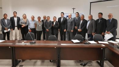 Foto de Adriano reúne lideranças empresariais