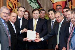 Foto de Bolsonaro enfrenta resistência à reforma da Previdência na CCJ