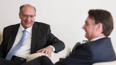 Photo of Bolsonaro anuncia 13º do Bolsa Família para 14 milhões de beneficiários