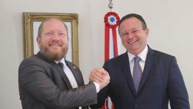 Photo of Othelino Neto e Carlos Brandão assumem o comando do Estado