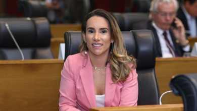Foto de Thaíza Hortegal solicita equipamentos para Hemomar de Pinheiro