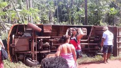 Photo of Ônibus tomba no povoado Raimundo Sú-Alcântara