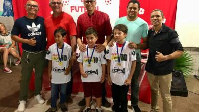 Photo of Escolinha de Futebol premia campeões de 2019 em Bequimão-MA